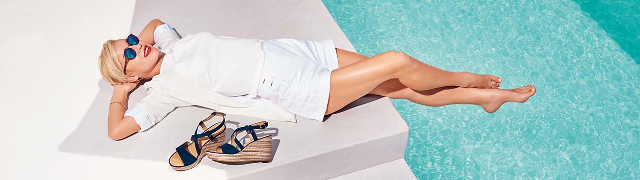 Model cu sandale de vara Deichmann